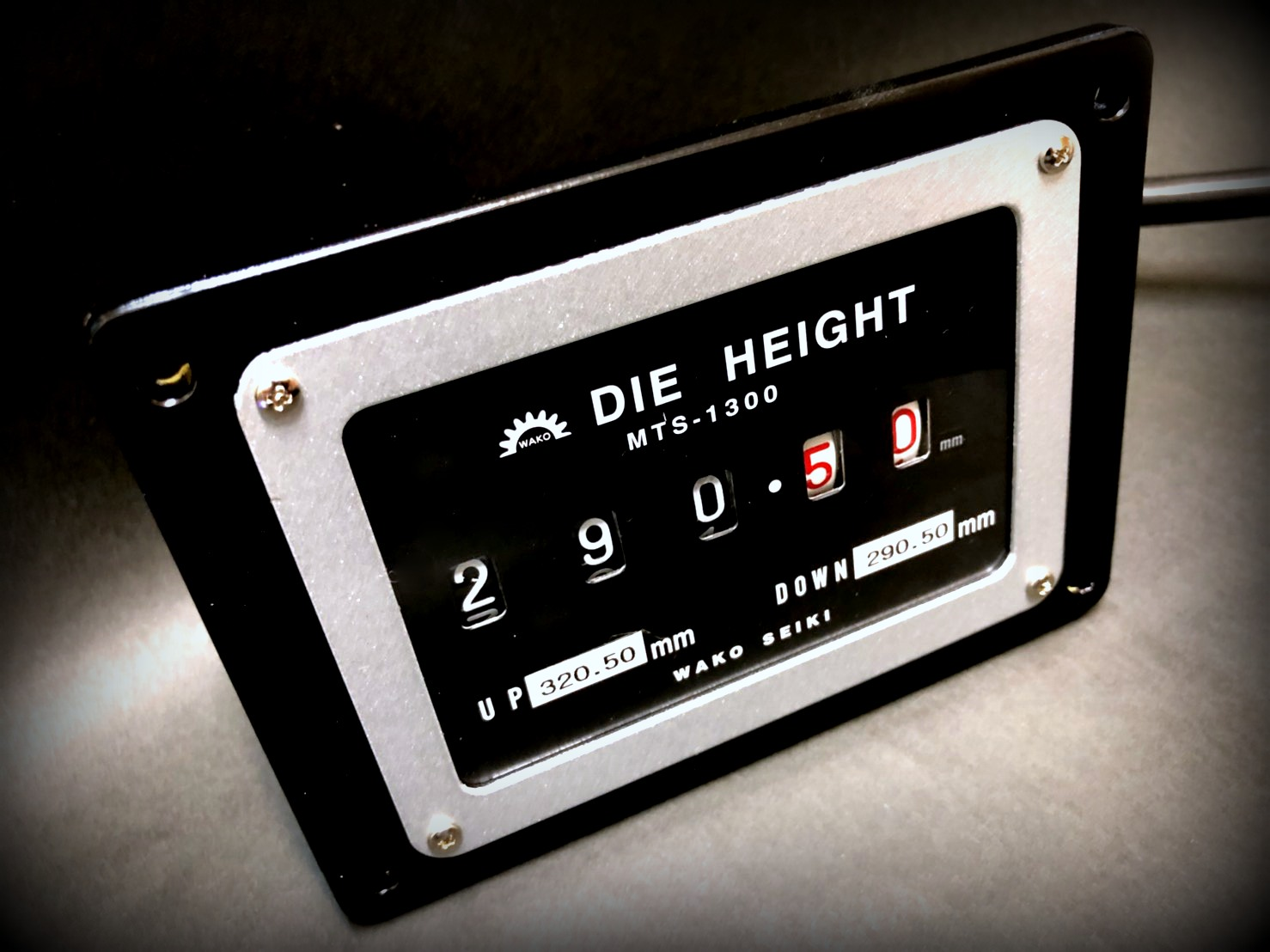 The Wako Seiki Die Height Indicator